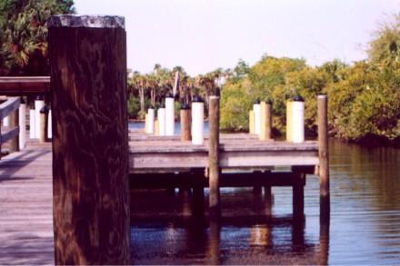 Dock.jpg (40121 bytes)
